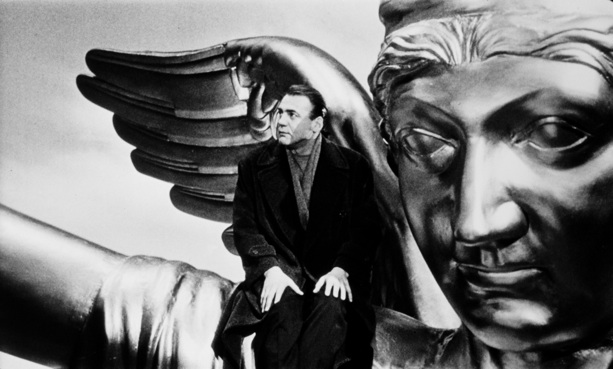 Bruno-Ganz-in-Wings-of-Desire2